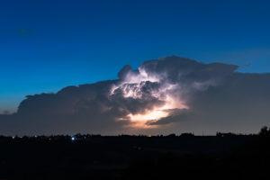 Orage a l'heure bleue dans le Rhône - 6 Juillet 2019